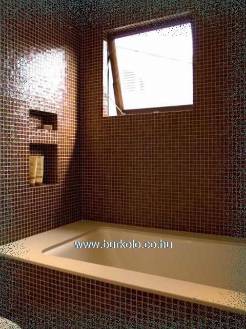 falfülke fürdőszobában