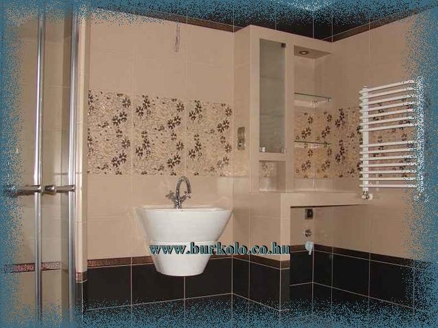 Polc rendszer, ami helyettesíti a fürdőszoba szekrénytés eltakarja a mosó gépet is egyszerre.