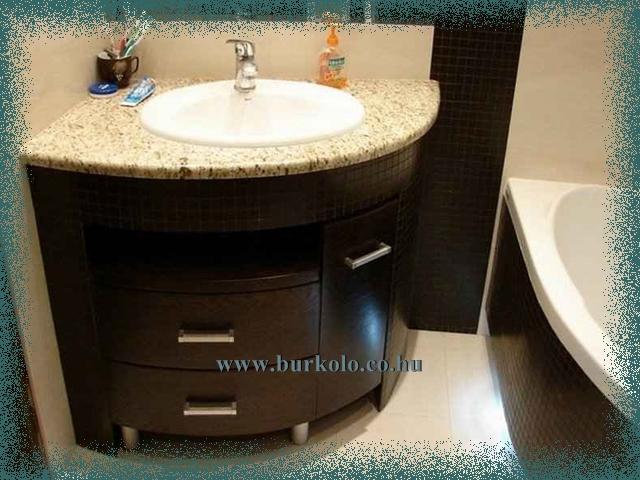 Akár íves mosdó szekrény is kéászíthető az épített mosdó bútor alá