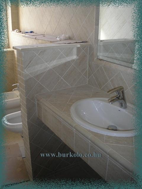 Wc ben kialakított mosdópult szakít a hagyományokkal